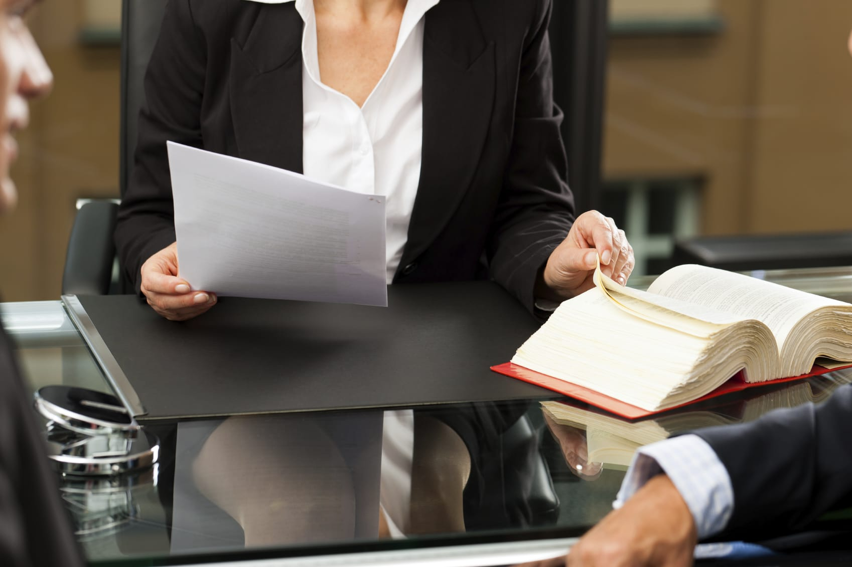 reclamar-facturas-impagadas-profesionales-abogado-almería-